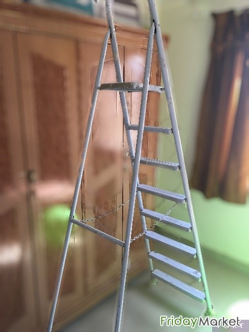 Multistore Rack Stand And 7 Step Metal Ladder For Sale Abu Halifa Kuwait