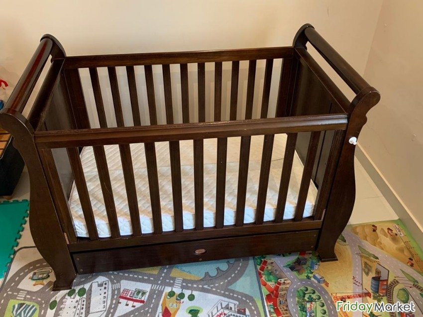 Hardwood Crib / Cot Bed 0-6 Years Old Jabriya Kuwait